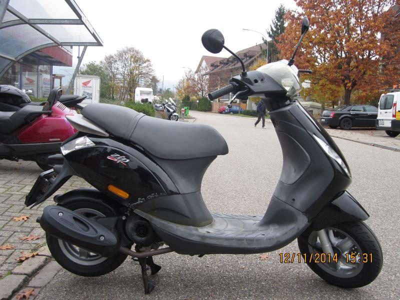 piaggio zip 100 4t zip 100 hubacher a velos motos ag oftringen occasion. Black Bedroom Furniture Sets. Home Design Ideas