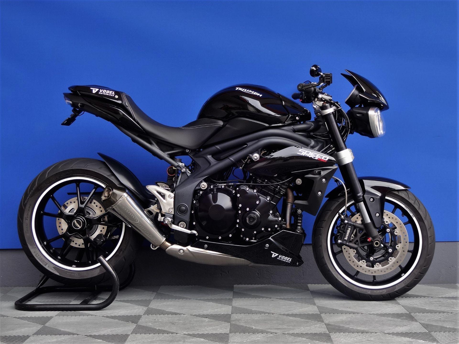 triumph speed triple 1050 remus vogel motorbikes sch pfheim occasion. Black Bedroom Furniture Sets. Home Design Ideas