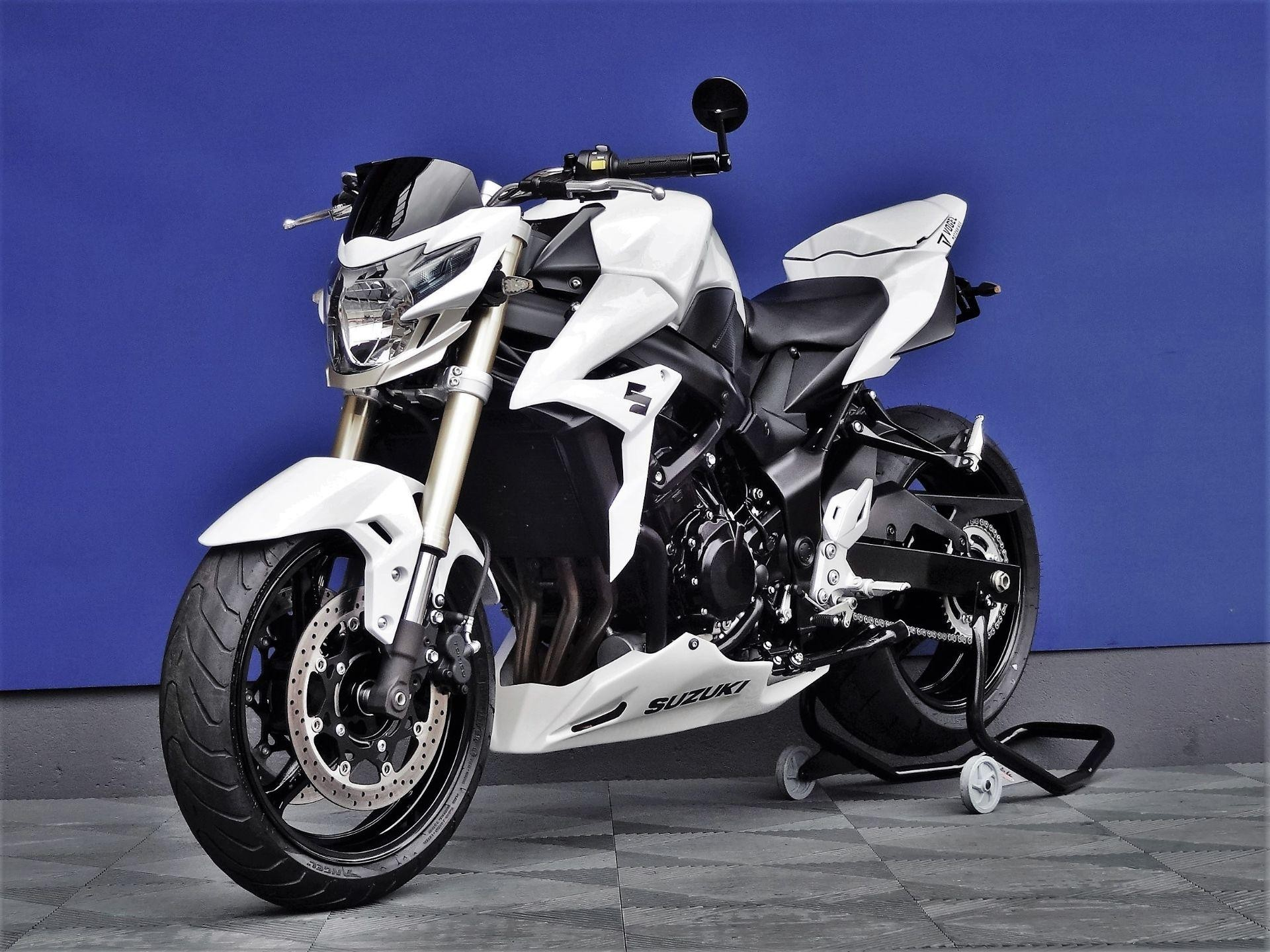 suzuki gsr 750 yoshimura vogel motorbikes sch pfheim occasions. Black Bedroom Furniture Sets. Home Design Ideas