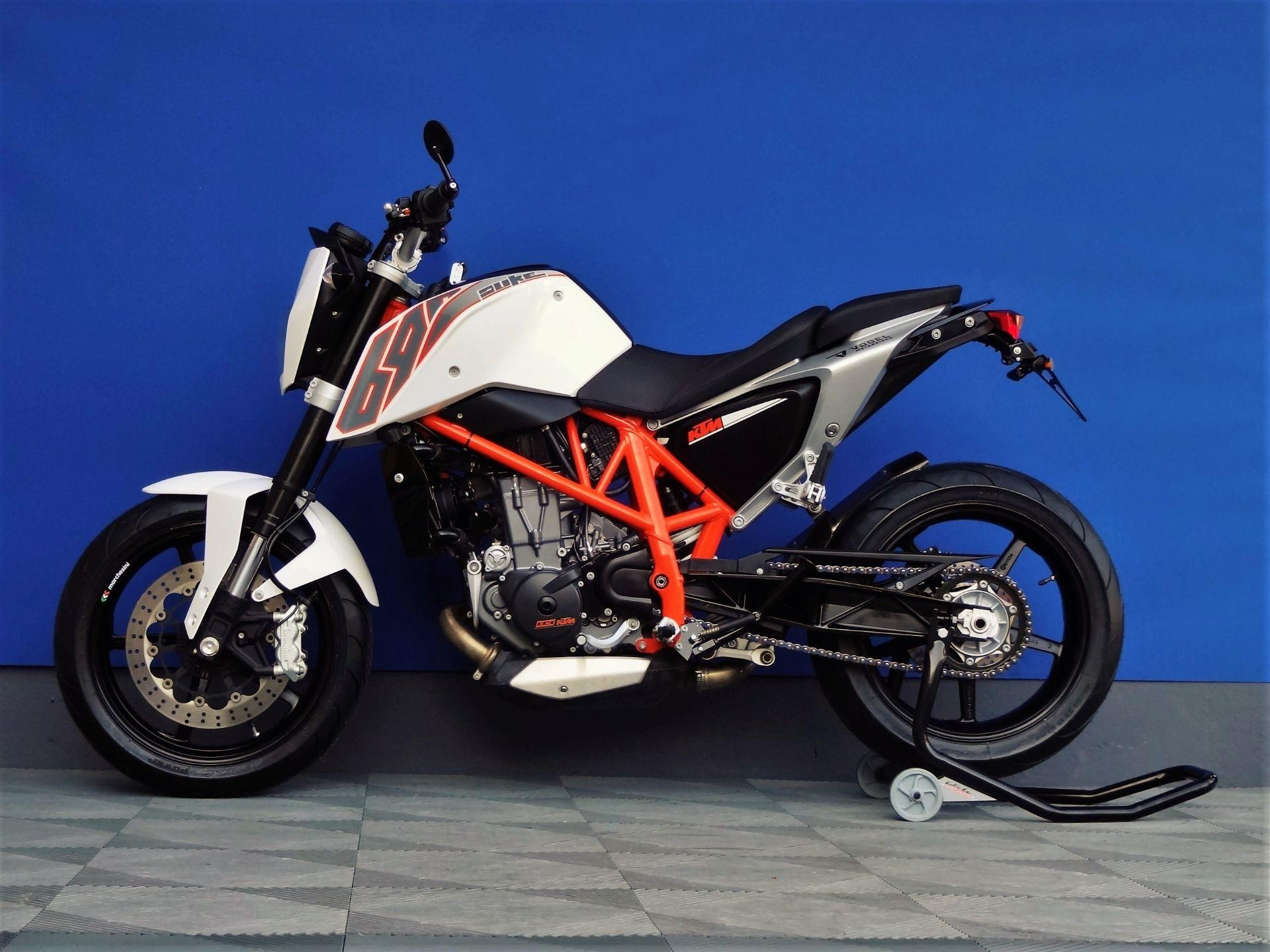 ktm 690 duke akrapovic vogel motorbikes sch pfheim occasion. Black Bedroom Furniture Sets. Home Design Ideas