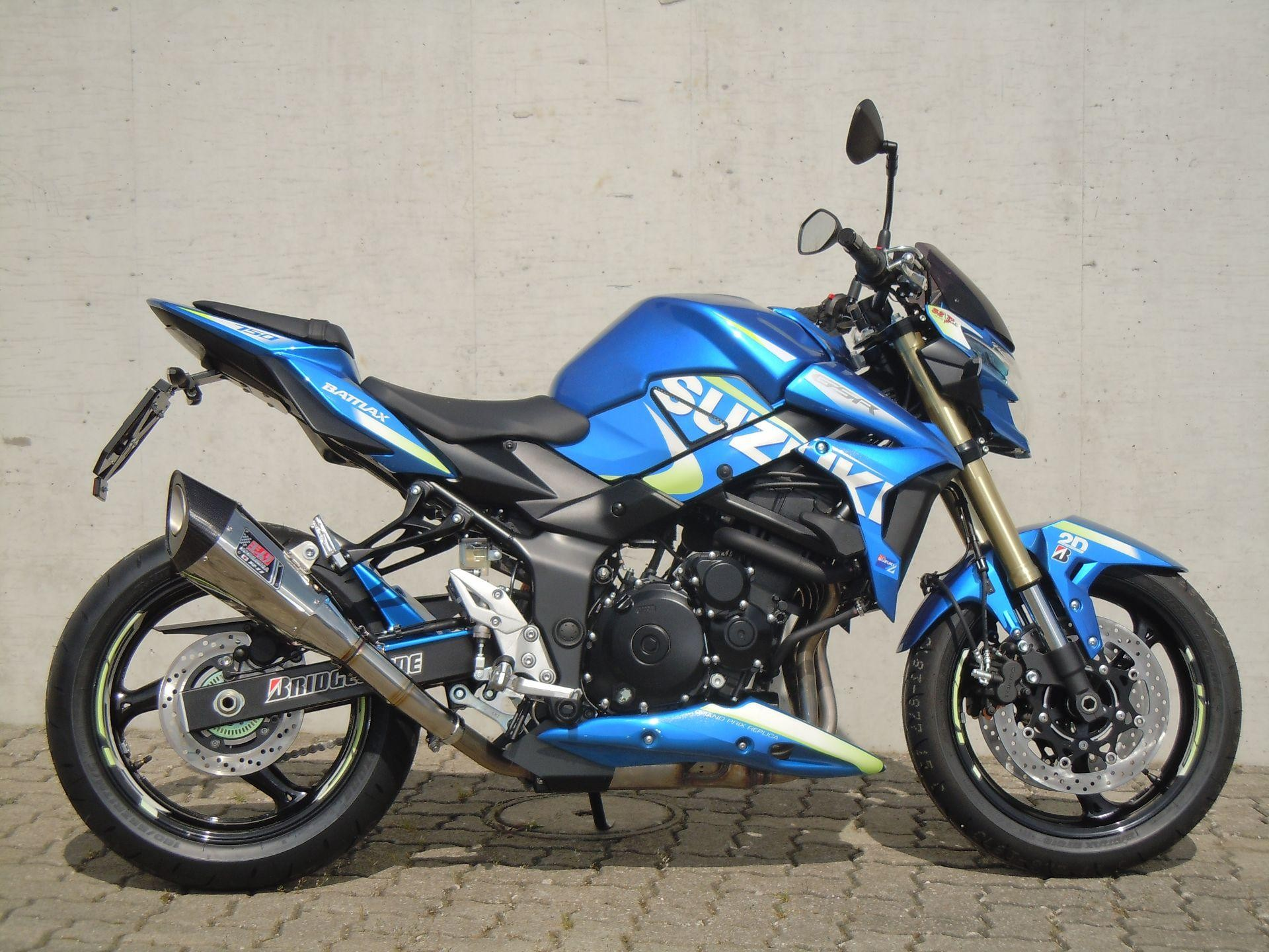 suzuki gsr 750 a moto gp edition rolf gall superbikes ag b tzberg neuve. Black Bedroom Furniture Sets. Home Design Ideas