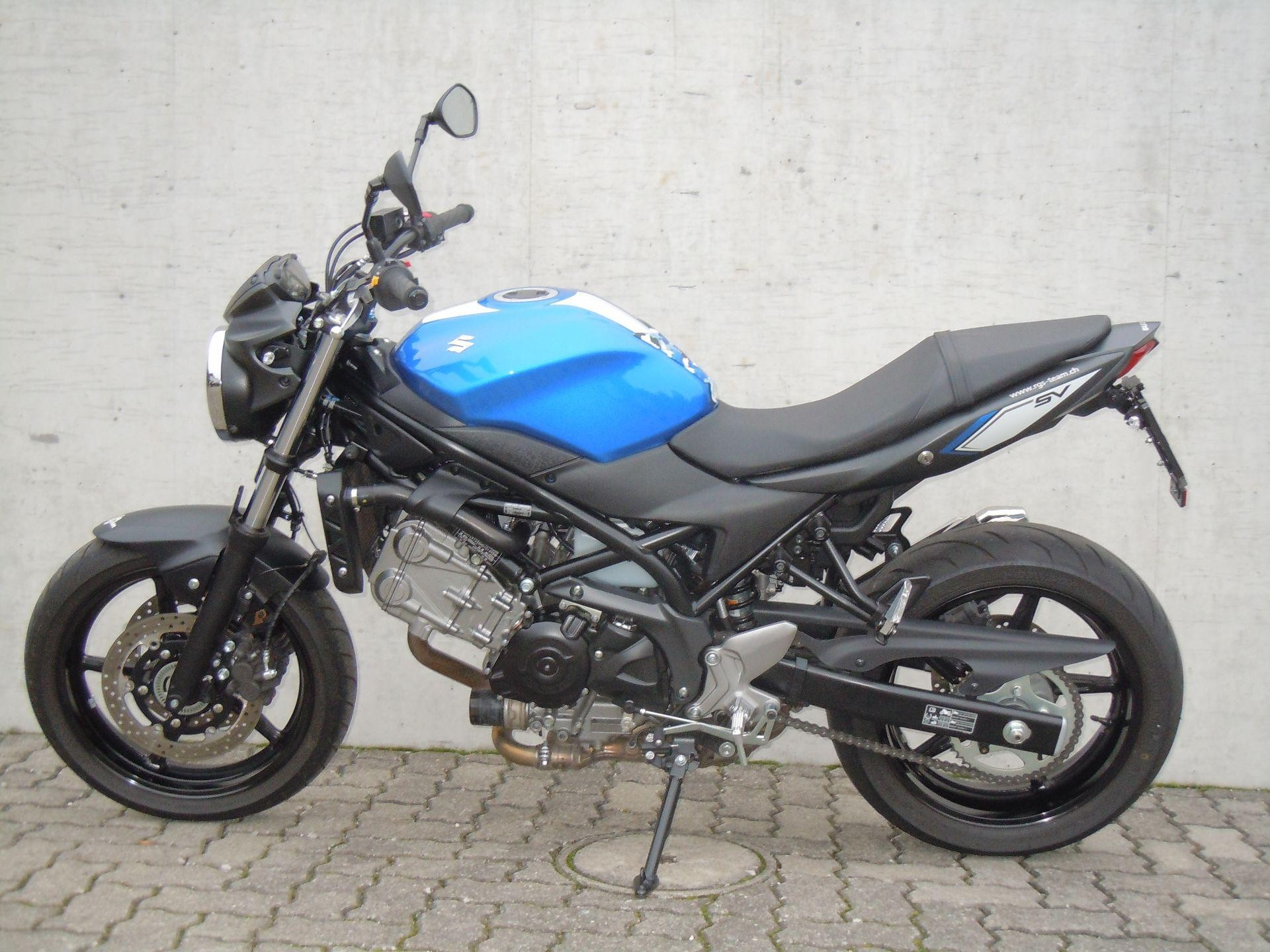 suzuki sv 650 a abs mit zubeh r rolf gall superbikes ag b tzberg occasion. Black Bedroom Furniture Sets. Home Design Ideas
