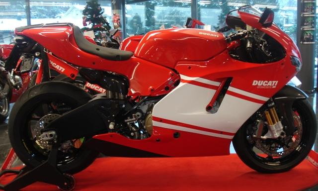 ducati desmosedici rr team version hans leupi gmbh meggen neufahrzeug. Black Bedroom Furniture Sets. Home Design Ideas