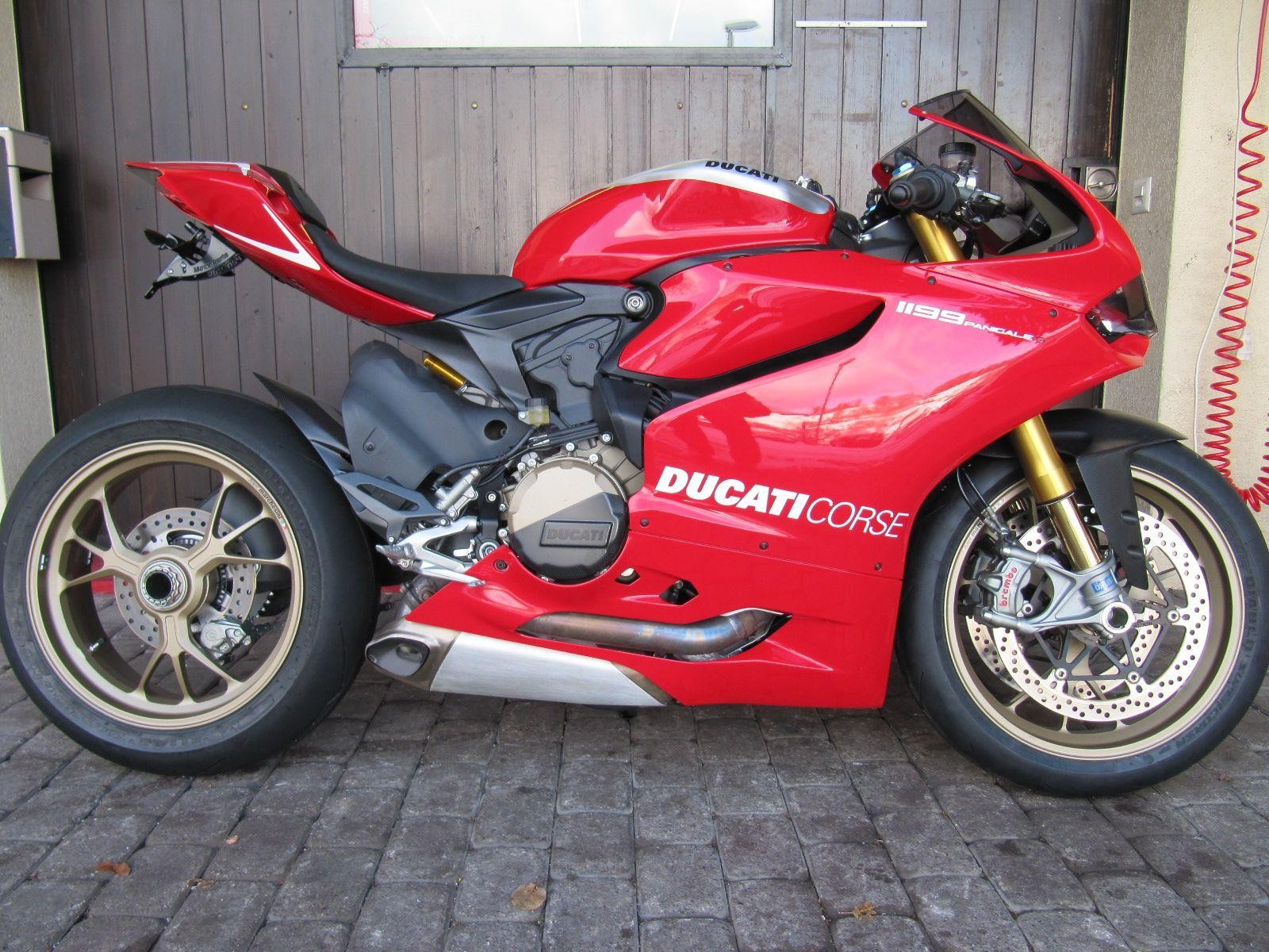 ducati 1199 panigale r abs kaufmann motos ag muhen occasion. Black Bedroom Furniture Sets. Home Design Ideas