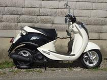 Rent a motorbike SYM Mio 100 (Scooter)