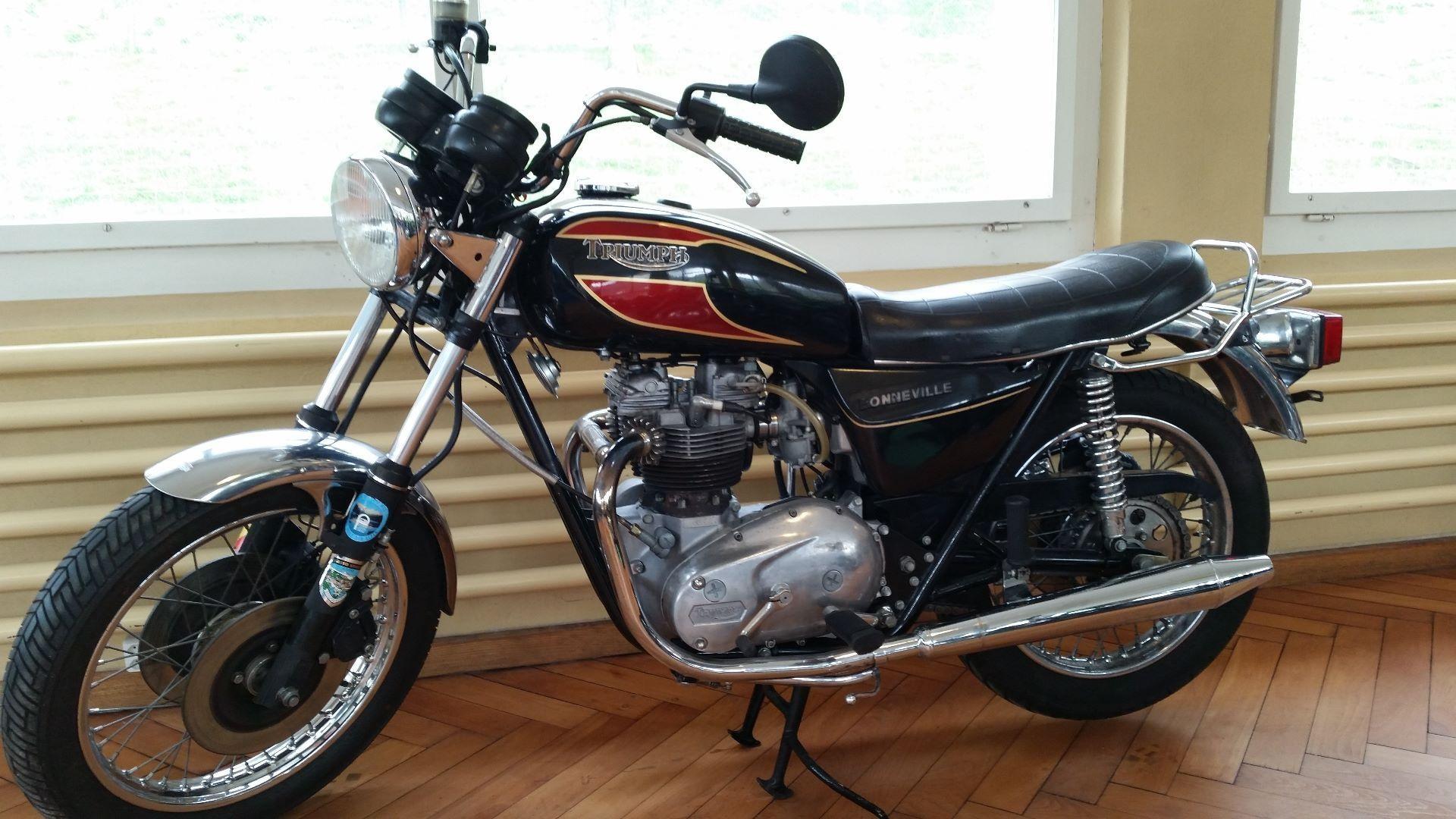 motorrad occasion kaufen triumph t 140 harris bonneville motorrad technik wyss holderbank. Black Bedroom Furniture Sets. Home Design Ideas