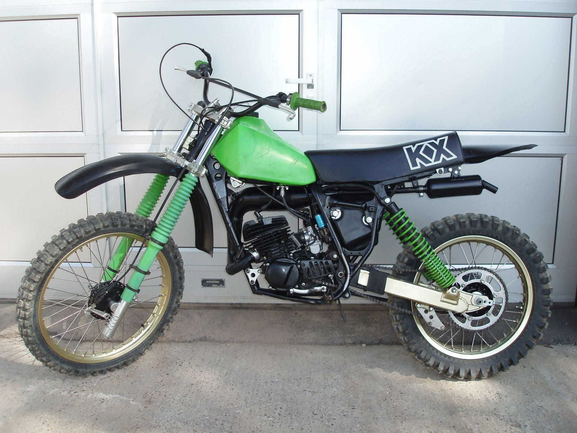 motorrad oldtimer kaufen kawasaki kx 125 twin shock moto huber d llikon. Black Bedroom Furniture Sets. Home Design Ideas