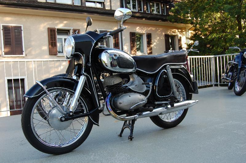 motorrad oldtimer kaufen dkw rt 175 vs bosshard motos. Black Bedroom Furniture Sets. Home Design Ideas