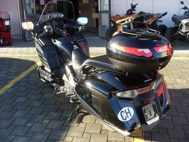 moto occasions acheter honda gl 1800 f6b gold wing abs deluxe goldwing caseli ag thusis. Black Bedroom Furniture Sets. Home Design Ideas