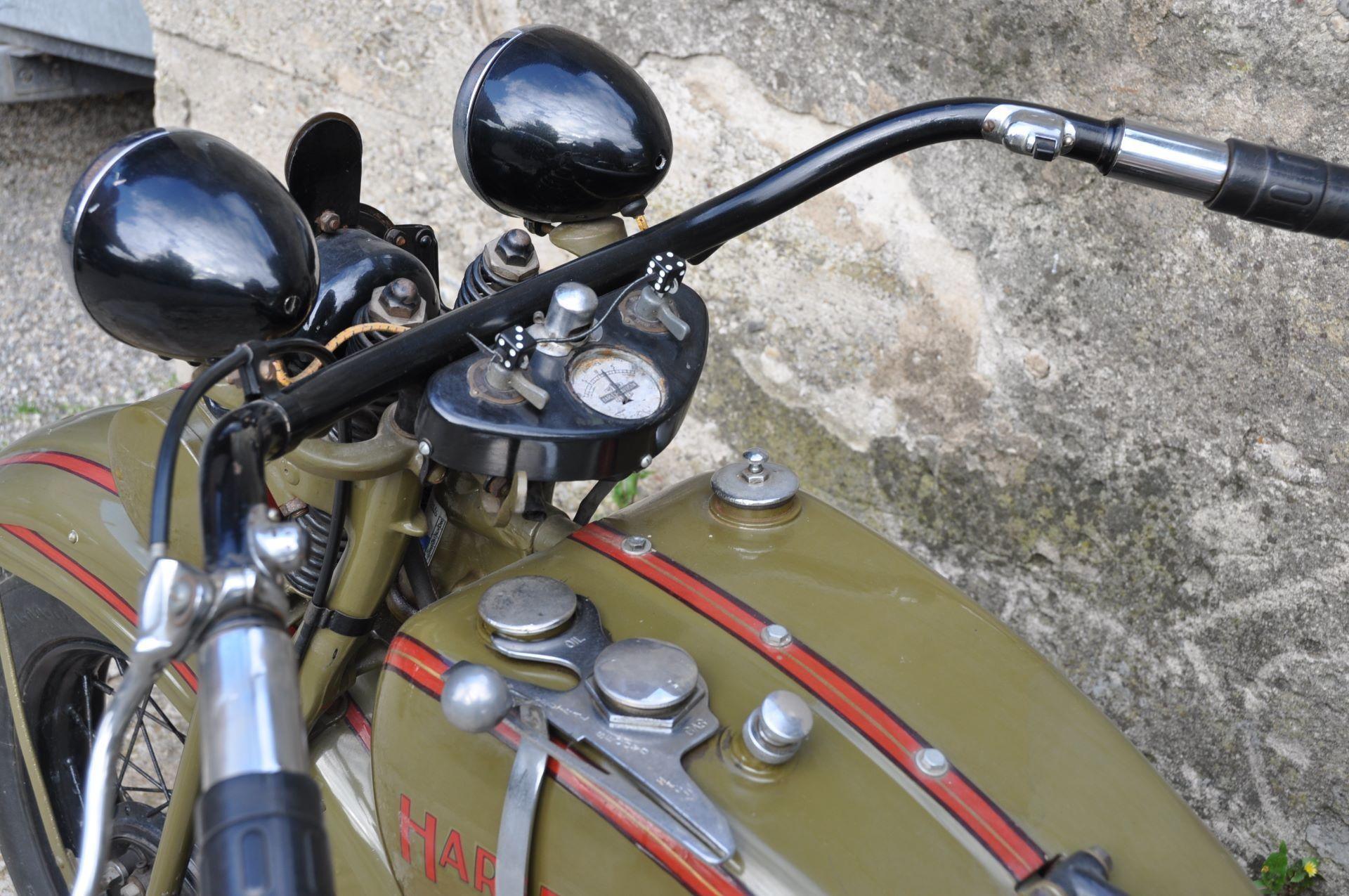 moto oldtimer acheter harley davidson model c sv. Black Bedroom Furniture Sets. Home Design Ideas