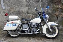 Motorrad kaufen Oldtimer HARLEY-DAVIDSON POLICE FLH ELECTRA GLIDE (touring)