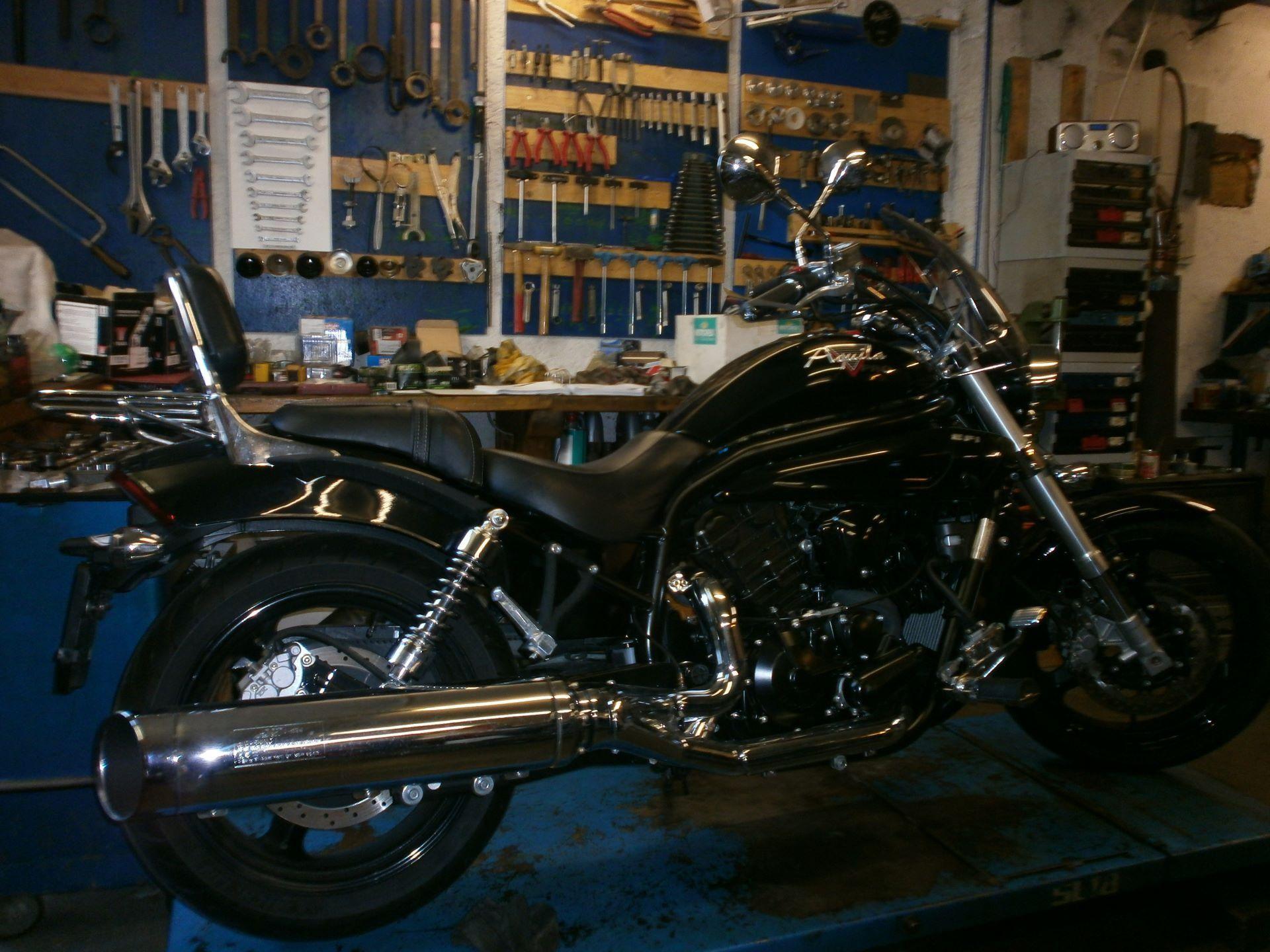 moto occasions acheter hyosung aquila 650 w thrich motos courrendlin. Black Bedroom Furniture Sets. Home Design Ideas