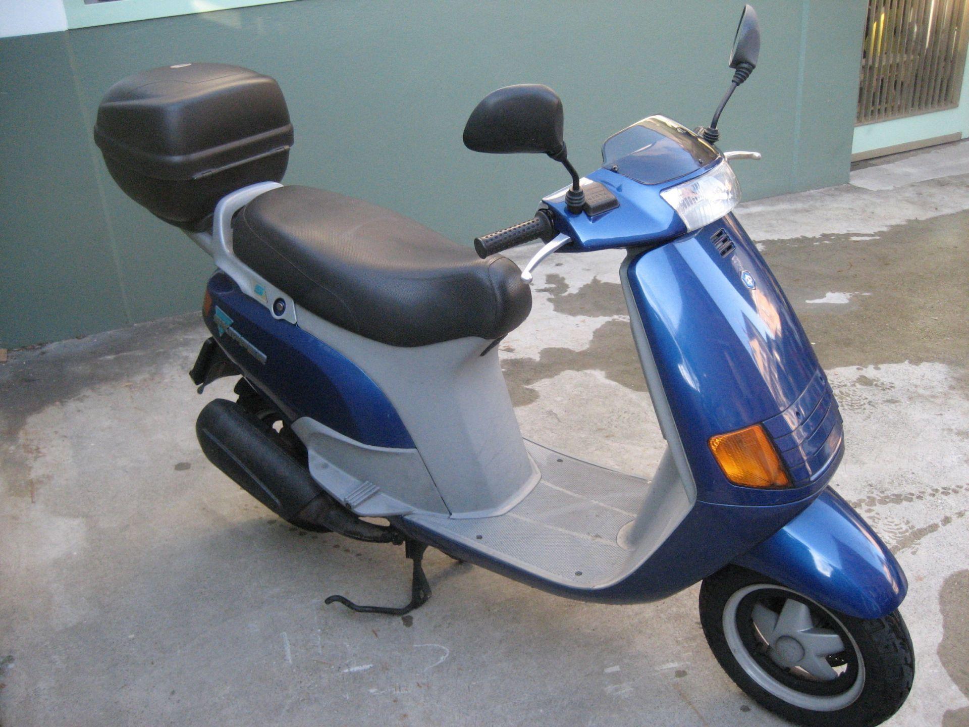 moto occasions acheter piaggio skipper 125 velos motos. Black Bedroom Furniture Sets. Home Design Ideas