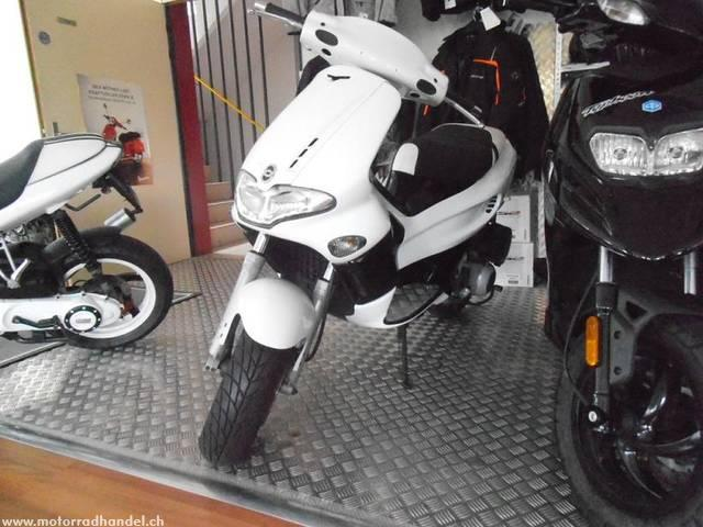 Motorrad kaufen GILERA Runner 180 VXR Occasion