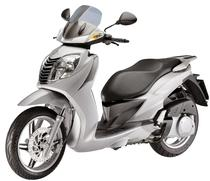 Louer moto MALAGUTI Password 250 (Scooter)