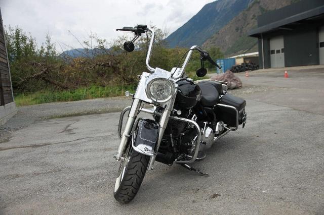 Motorrad kaufen HARLEY-DAVIDSON FLHRC 1690 Road King Classic ABS Occasion