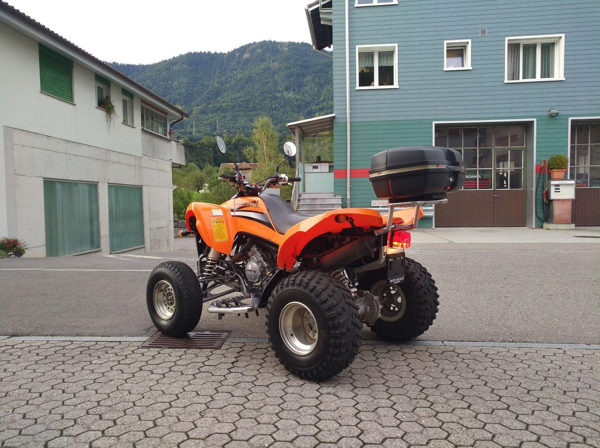 motorrad occasion kaufen kawasaki quad kfx 700 auto moto fischlin oberarth. Black Bedroom Furniture Sets. Home Design Ideas
