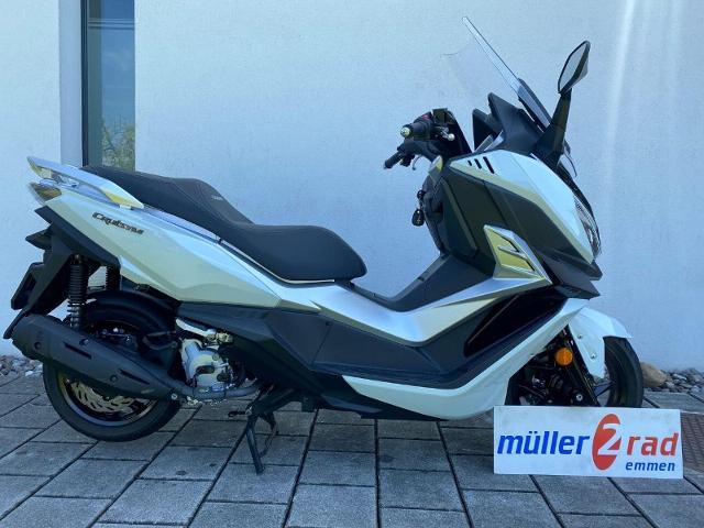 Motorrad kaufen SYM Cruisym 125i Occasion