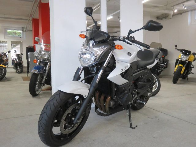 Motorrad kaufen YAMAHA XJ 6 NA ABS Occasion