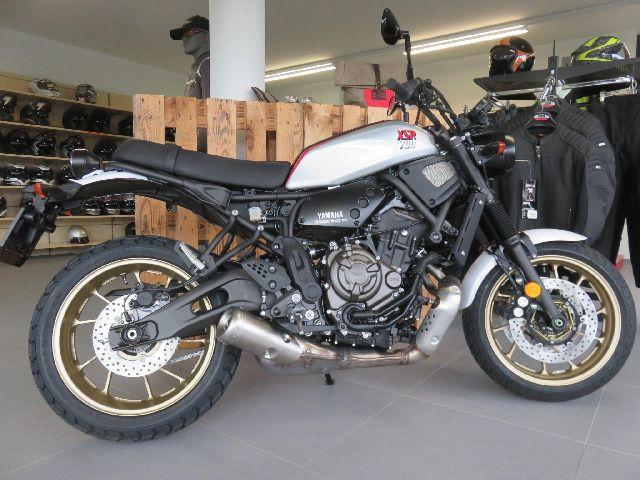 Motorrad kaufen YAMAHA XSR 700 D Neufahrzeug