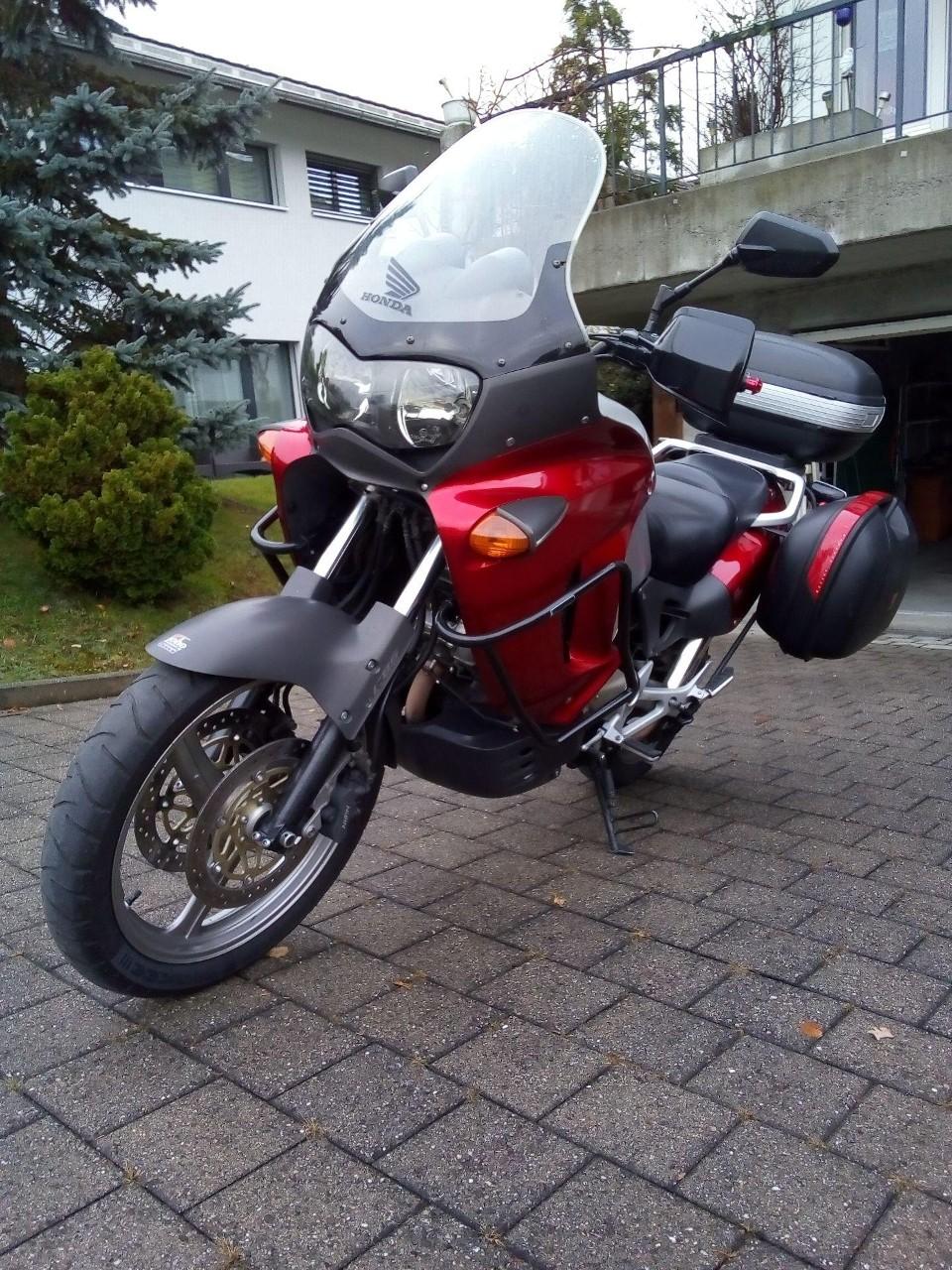 motorrad occasion kaufen honda xl 1000 v varadero moto. Black Bedroom Furniture Sets. Home Design Ideas