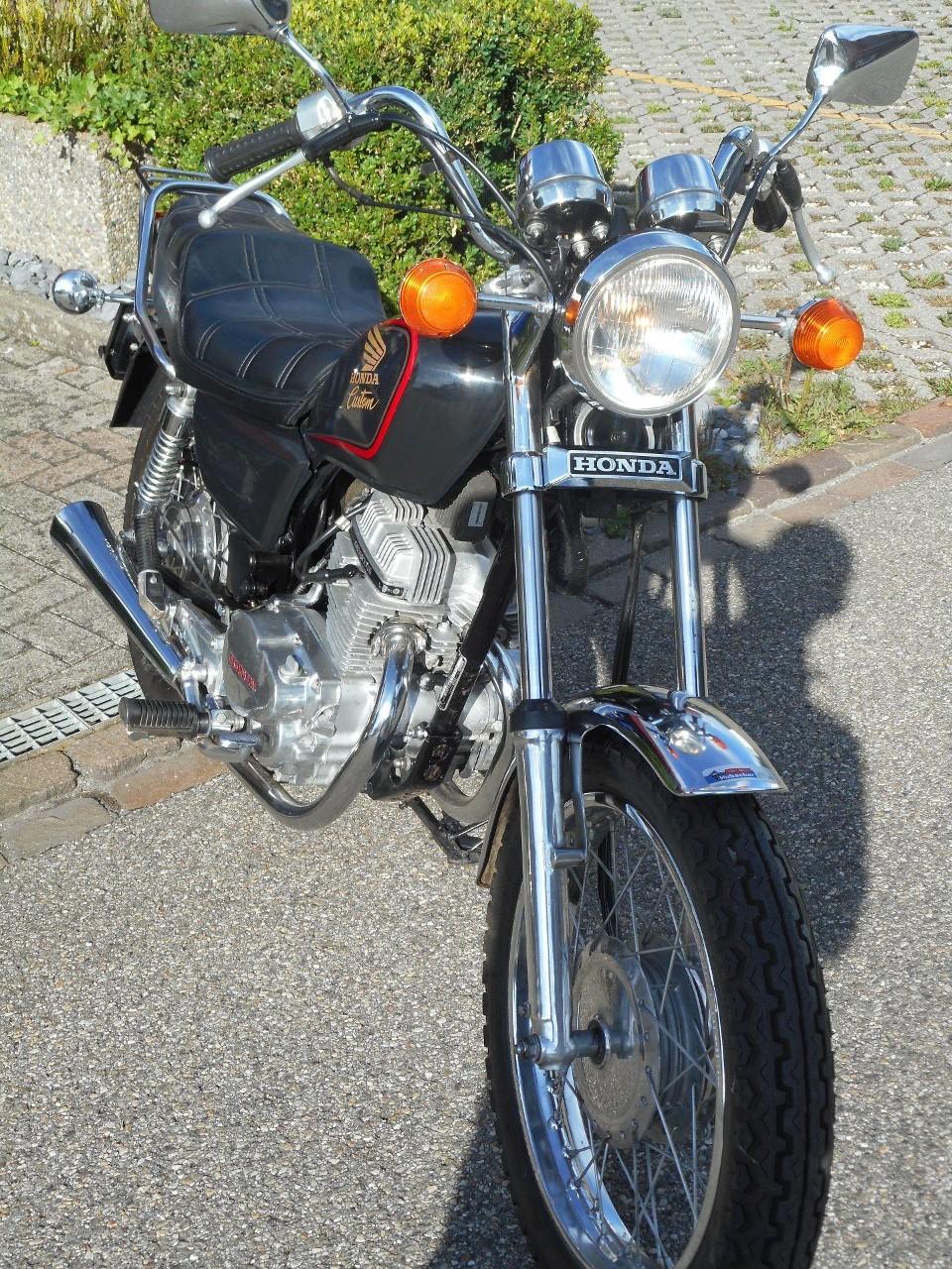 moto occasions acheter honda cm 125 c hubacher a velos motos ag oftringen. Black Bedroom Furniture Sets. Home Design Ideas