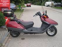 Motorrad Mieten & Roller Mieten HONDA CN 250 (Roller)