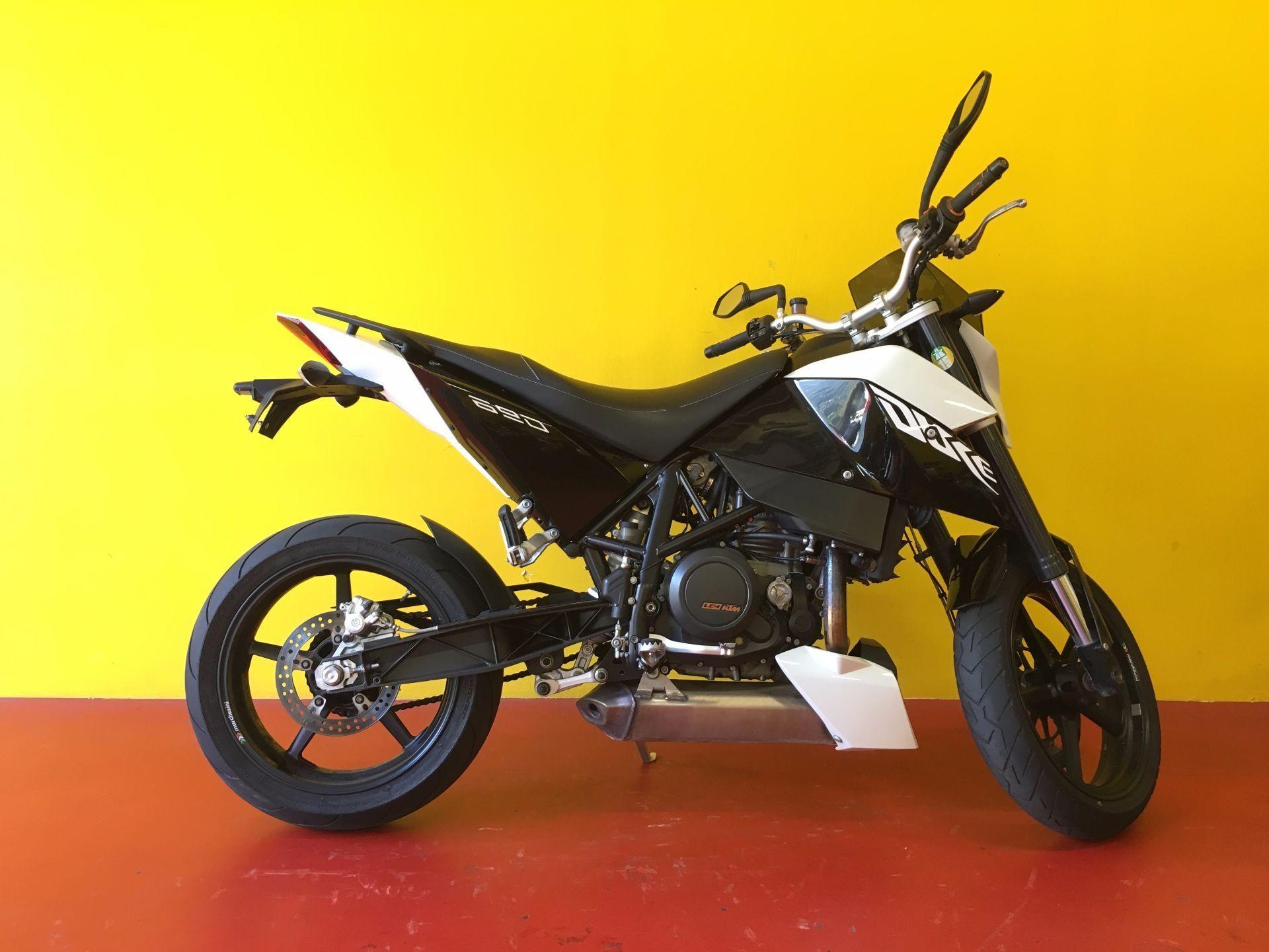 motorrad occasion kaufen ktm 690 duke iii centro moto ticino camorino camorino. Black Bedroom Furniture Sets. Home Design Ideas