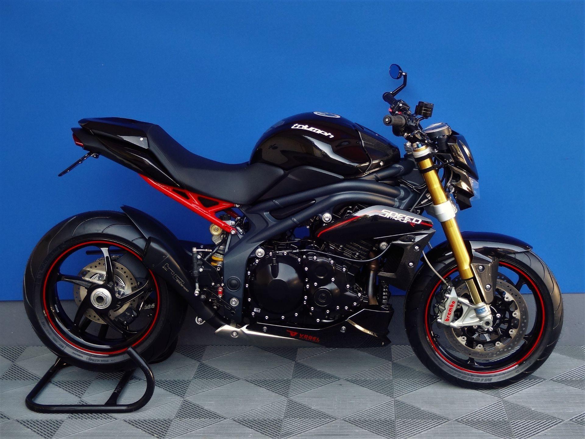 motorrad occasion kaufen triumph speed triple 1050 r quickshifter vogel motorbikes sch pfheim. Black Bedroom Furniture Sets. Home Design Ideas