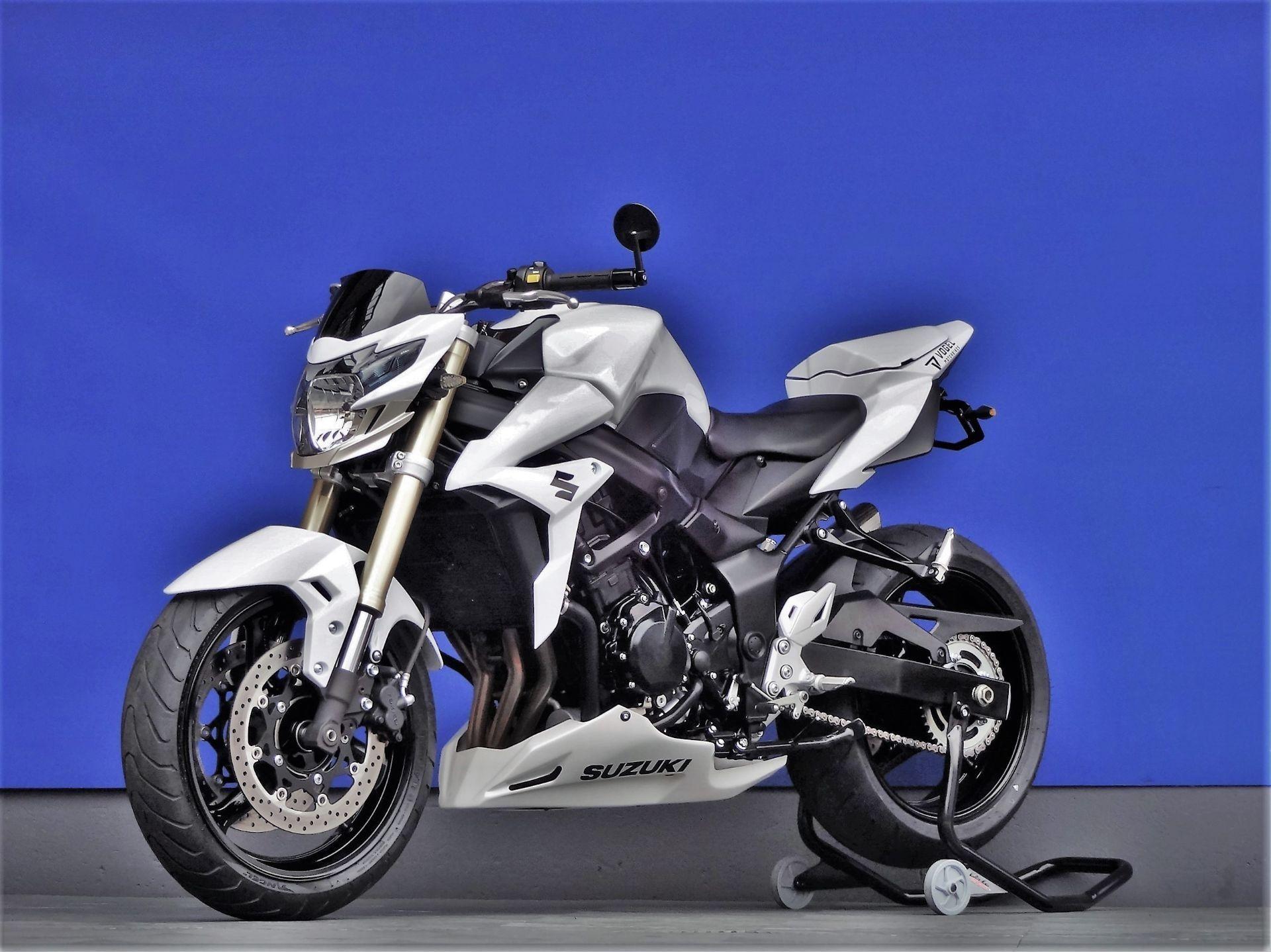 motorrad occasion kaufen suzuki gsr 750 yoshimura vogel motorbikes sch pfheim. Black Bedroom Furniture Sets. Home Design Ideas