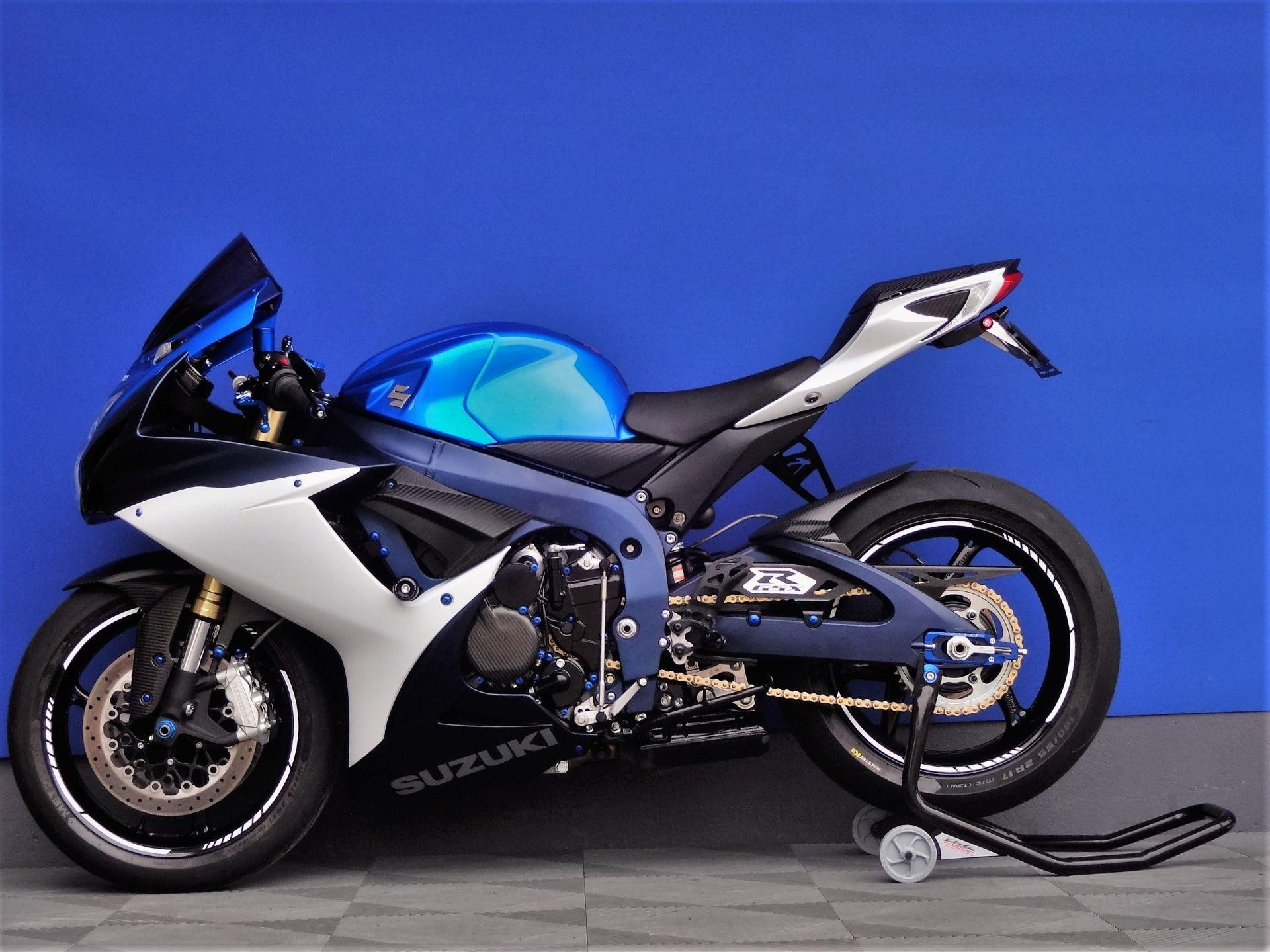 motorrad occasion kaufen suzuki gsx r 750 gp service vogel motorbikes sch pfheim. Black Bedroom Furniture Sets. Home Design Ideas