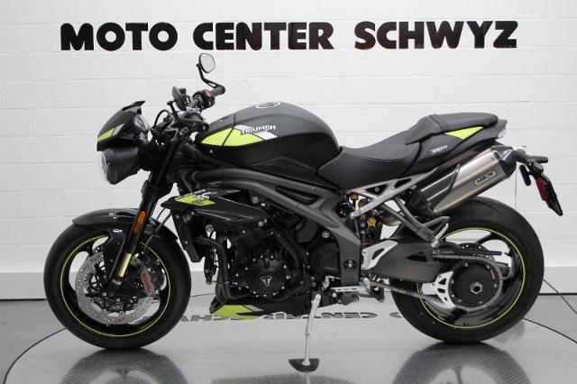 Motorrad kaufen TRIUMPH Speed Triple 1050 RS Lageraktion Neufahrzeug