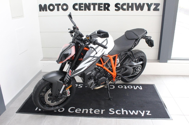 Motorrad kaufen KTM 1290 Super Duke R Vorführmodell