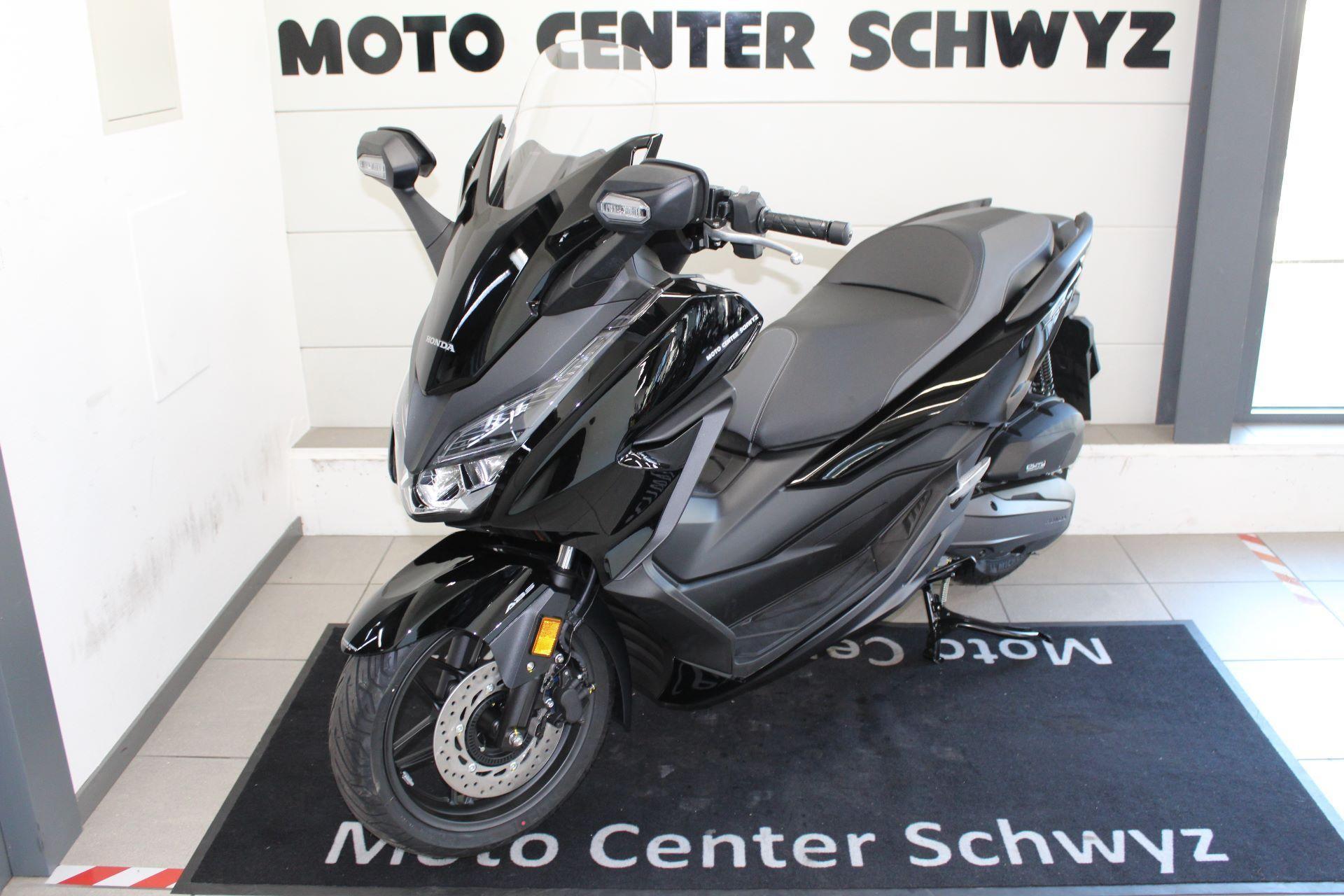 moto modello da dimostrazione acquistare honda nss 125 ad forza abs 2019 moto center schwyz ag. Black Bedroom Furniture Sets. Home Design Ideas