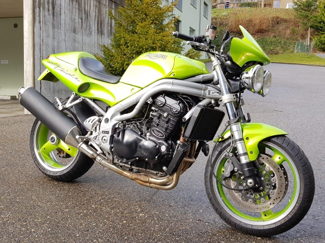 Motorrad kaufen TRIUMPH Speed Triple 955 I.E. Occasion
