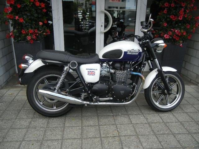 Motorrad kaufen TRIUMPH Bonneville 900 Occasion