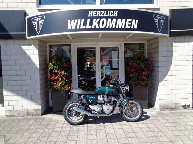 Motorrad kaufen TRIUMPH Thruxton 1200 ABS Occasion