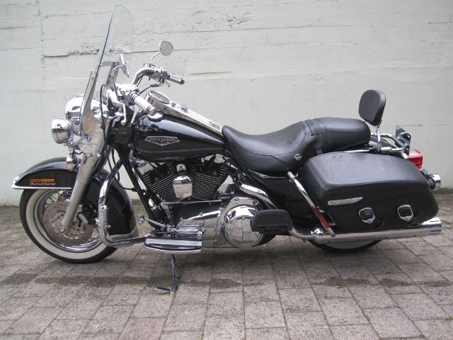 Motorrad kaufen HARLEY-DAVIDSON FLHRC 1584 Road King Classic Occasion