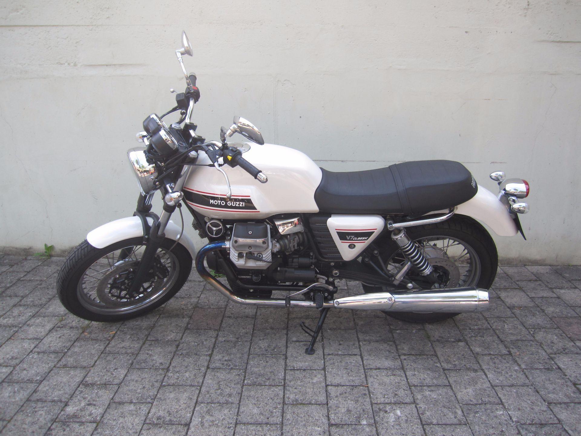 moto occasions acheter moto guzzi v7 750 classic t ff huus moosleerau moosleerau. Black Bedroom Furniture Sets. Home Design Ideas