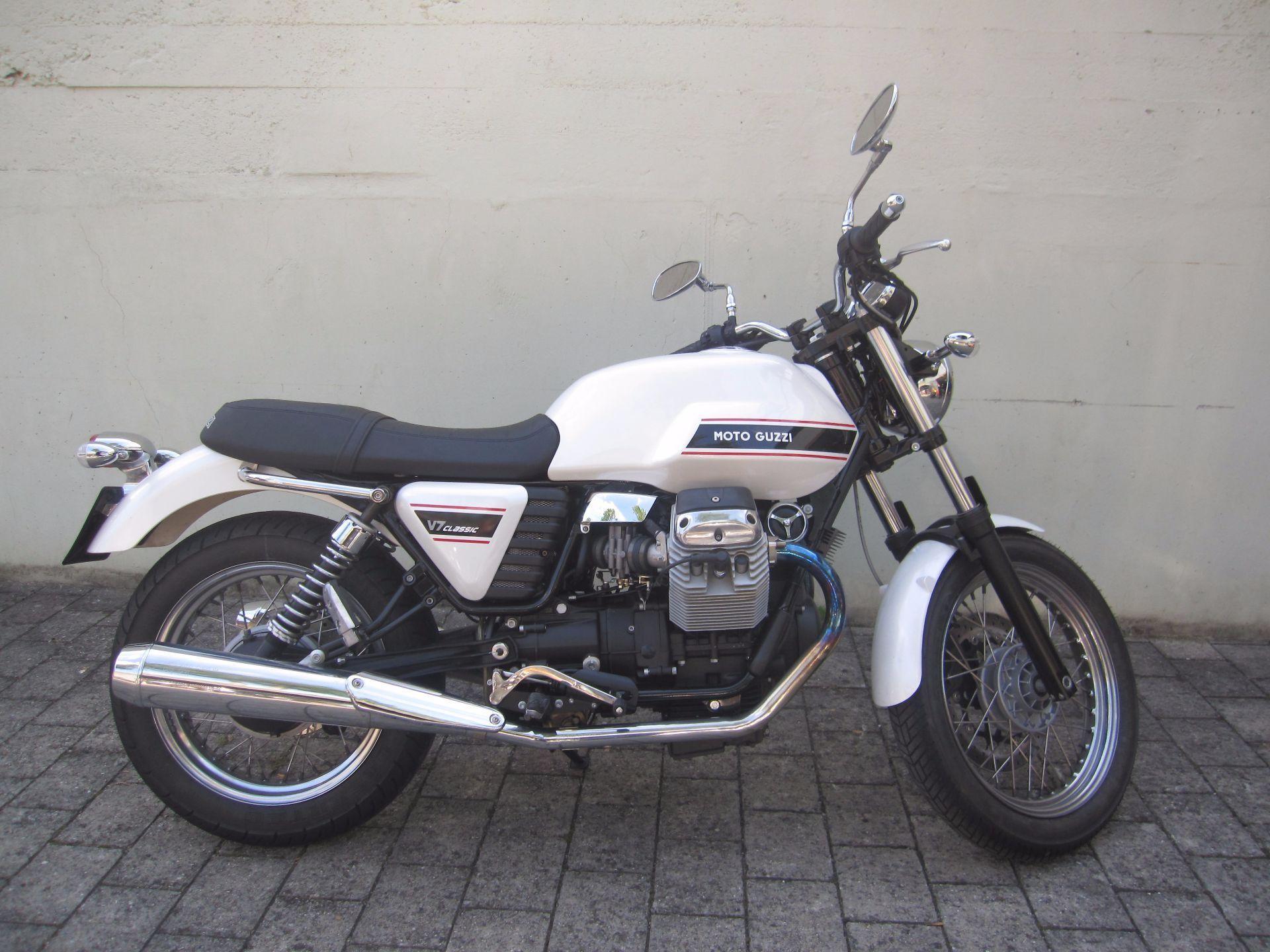 motorrad occasion kaufen moto guzzi v7 750 classic t ff huus moosleerau moosleerau. Black Bedroom Furniture Sets. Home Design Ideas