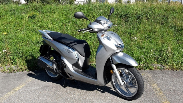Motorrad kaufen HONDA SH 300 i A ABS Neufahrzeug