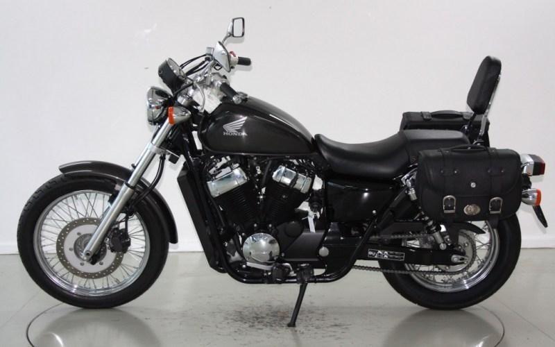 motorrad occasion kaufen honda vt 750 s moto center winterthur winterthur. Black Bedroom Furniture Sets. Home Design Ideas
