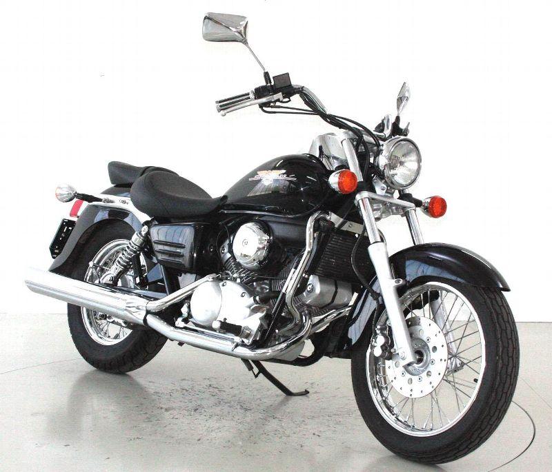 motorrad occasion kaufen honda vt 125 c shadow moto center. Black Bedroom Furniture Sets. Home Design Ideas