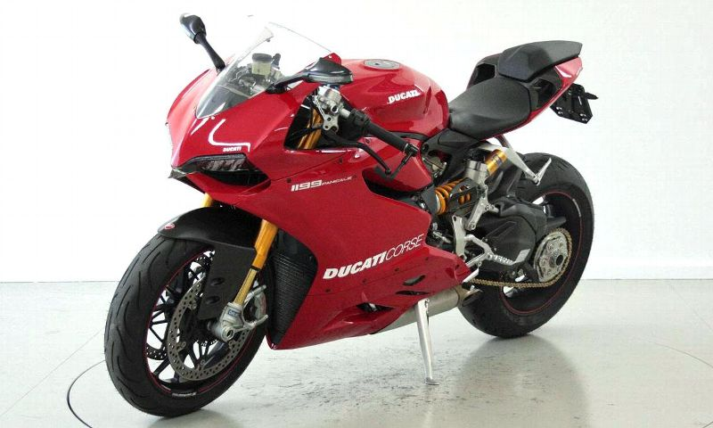 moto occasions acheter ducati 1199 panigale moto center. Black Bedroom Furniture Sets. Home Design Ideas