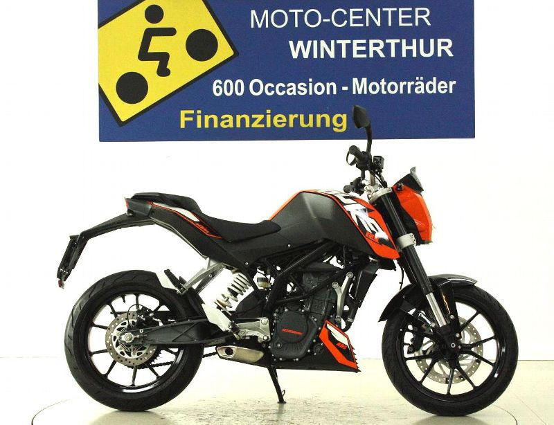 moto occasions acheter ktm 125 duke moto center winterthur. Black Bedroom Furniture Sets. Home Design Ideas