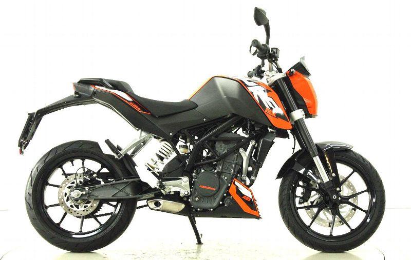 moto occasions acheter ktm 125 duke moto center winterthur. Black Bedroom Furniture Sets. Home Design Ideas