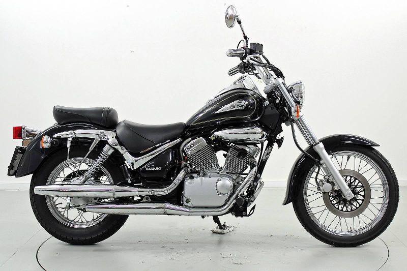 Motorrad Occasion kaufen SUZUKI VL 800 Intruder Moto