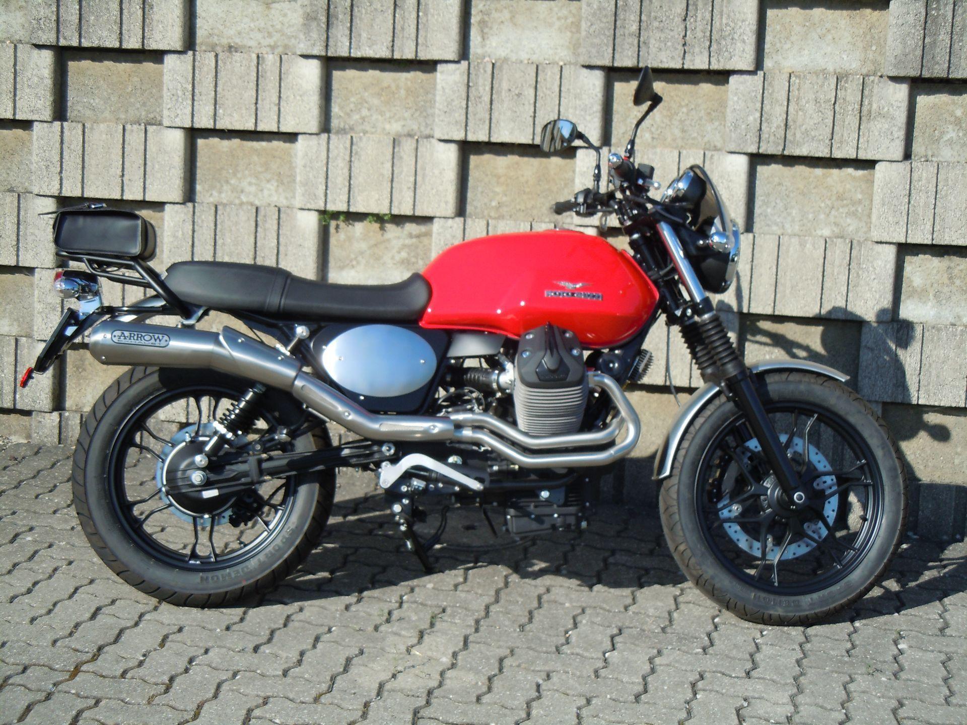 motorrad occasion kaufen moto guzzi v7 stone scrambler rolf gall superbikes ag b tzberg. Black Bedroom Furniture Sets. Home Design Ideas