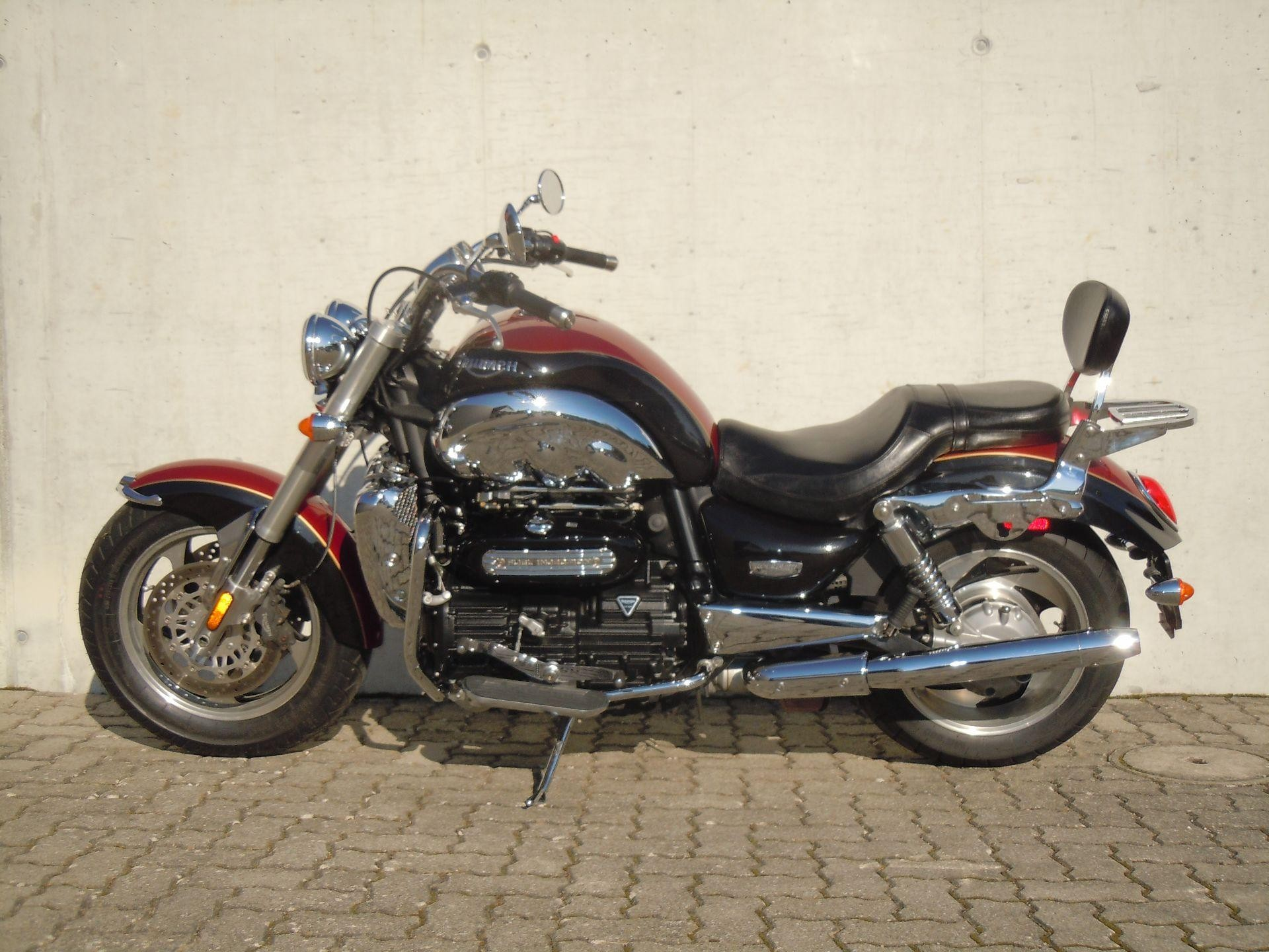 motorrad occasion kaufen triumph rocket iii 2300 classic mit zubeh r rolf gall superbikes ag. Black Bedroom Furniture Sets. Home Design Ideas