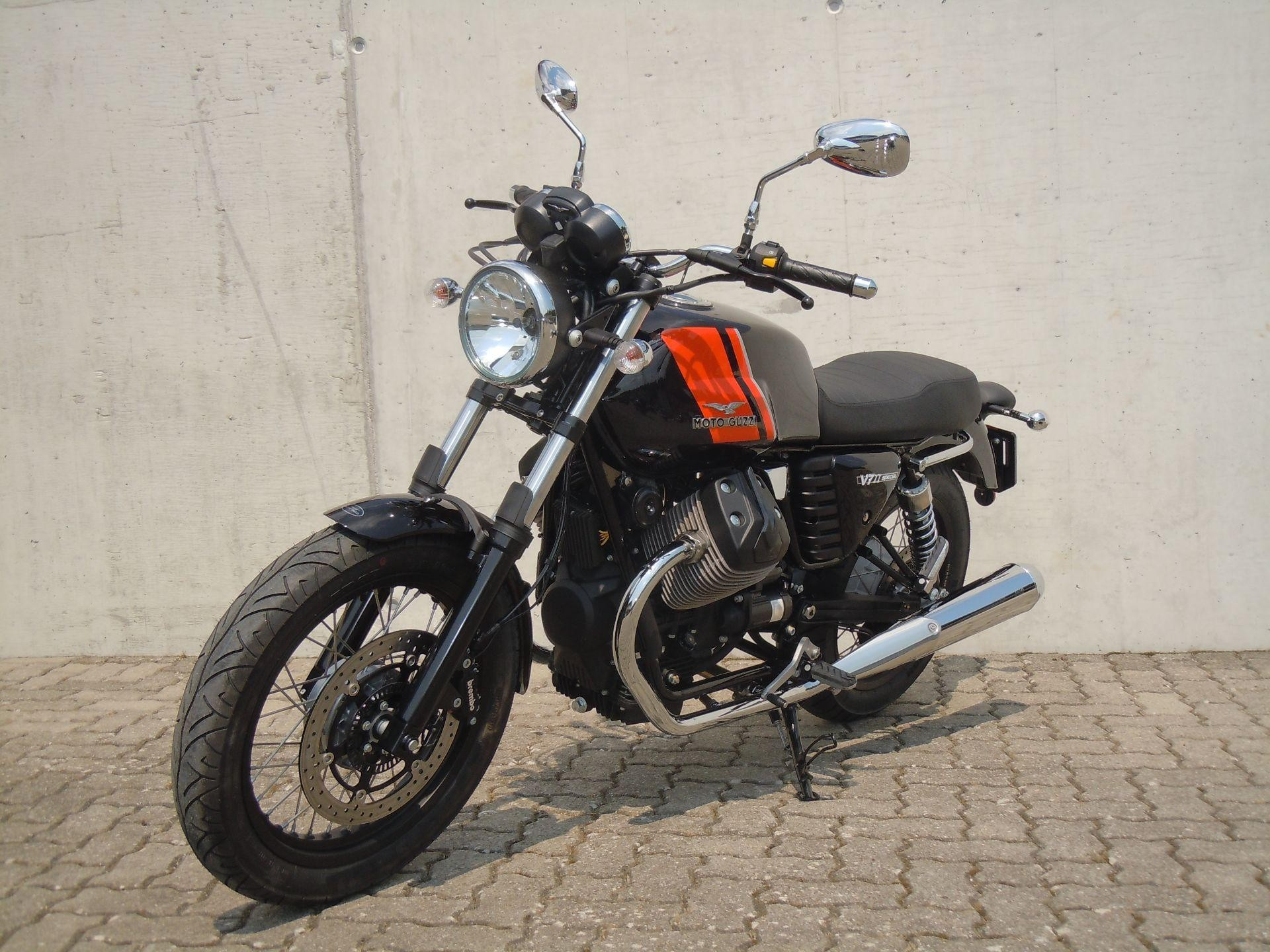 Buy motorbike New vehicle/bike MOTO GUZZI V7 Special ABS V7 II Rolf ...